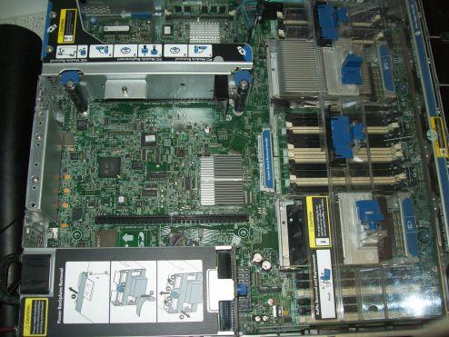 Server Mainboard nach der Reinigung